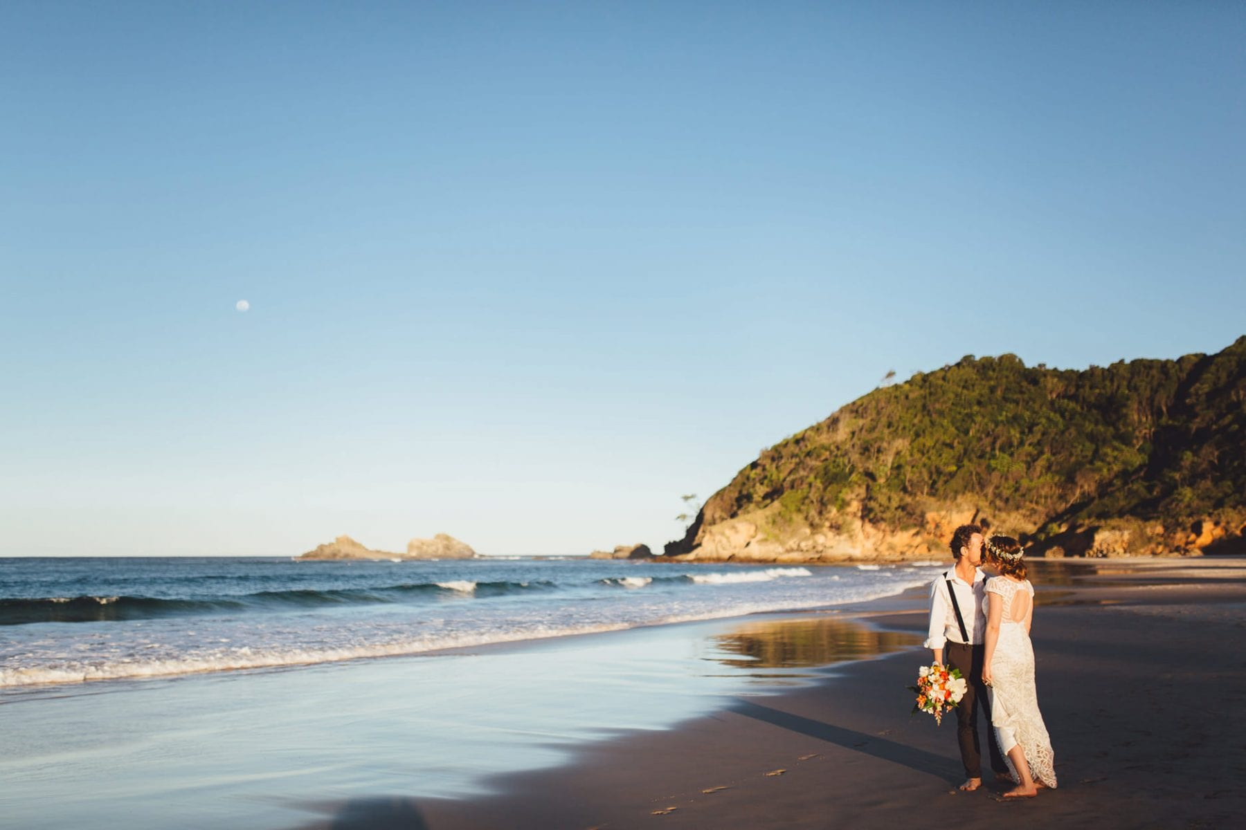 beach wedding photographer northern beaches sydney